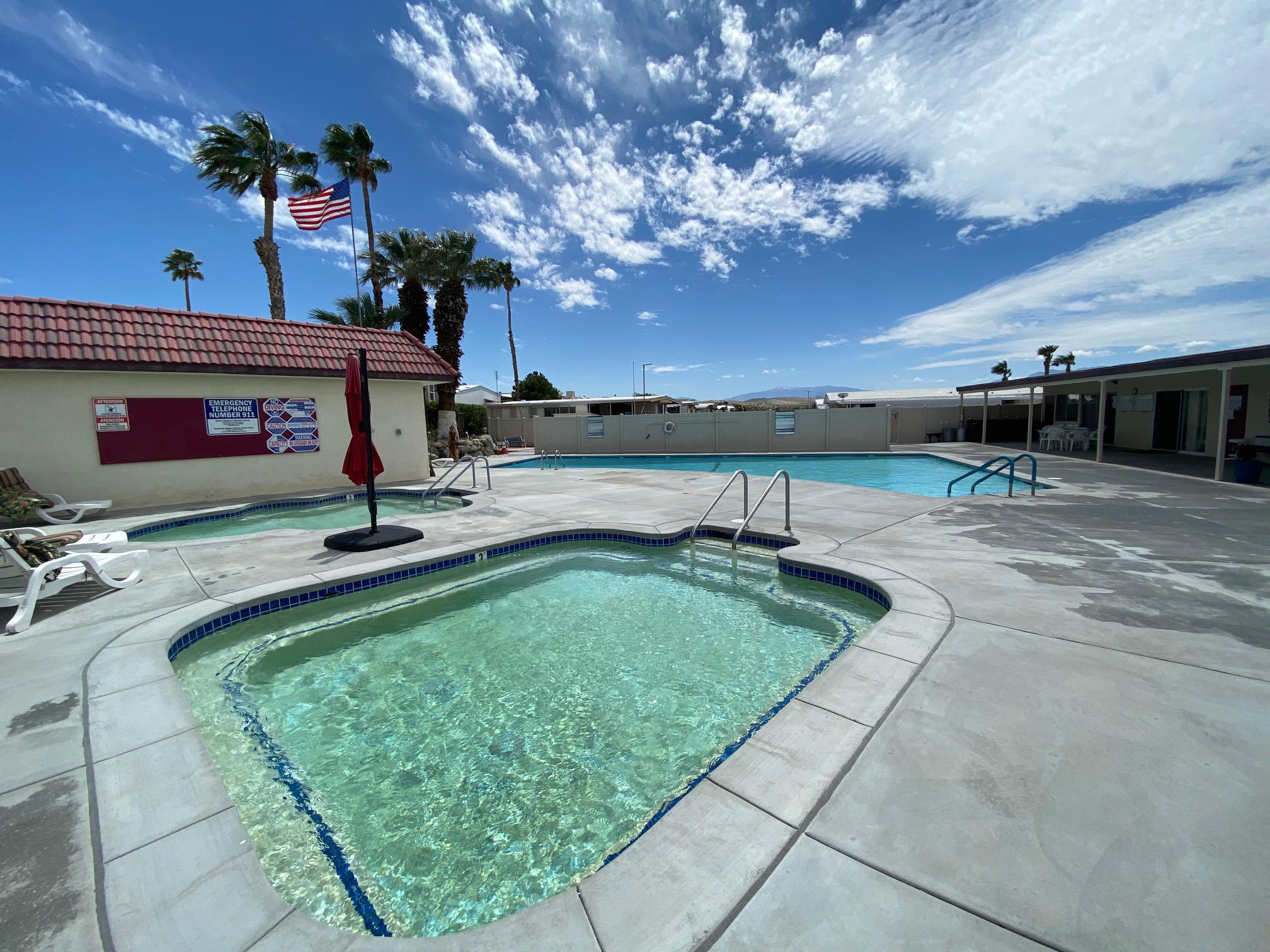 Sparkling Water RV Resort - Desert Hot Springs Pool